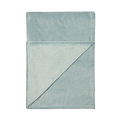 Home Collection Basics - Light turquoise fleece throw