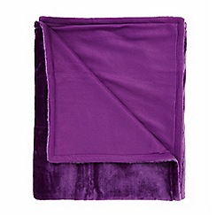 Debenhams - Purple faux fur throw