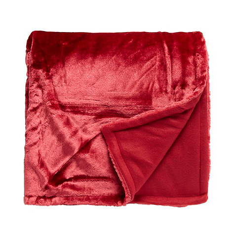 Debenhams - Red faux fur throw