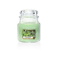 Yankee Candle - Classic 'Wild Mint' medium jar candle