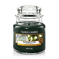 Yankee Candle - Small green 'The Perfect Tree' Christmas scented jar candle