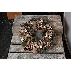 Noma - Stars and Pine Cone' Christmas wreath