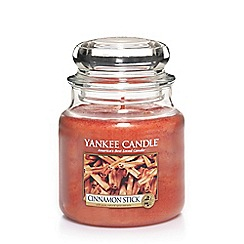 Yankee Candle - Classic 'Cinnamon Stick' medium jar candle
