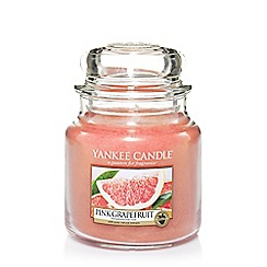 Yankee Candle - Classic 'Pink Grapefruit' medium jar candle