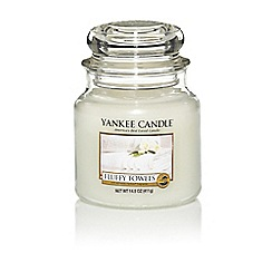 Yankee Candle - Medium 'Fluffy Towels' scented jar candle