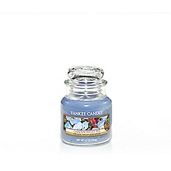 Yankee Candle - Classic 'Sweet Peas' small jar candle