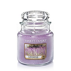 Yankee Candle - Classic 'Lavender' medium jar candle
