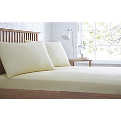 Home Collection Basics - Yellow printed 'Lines' fitted sheet set
