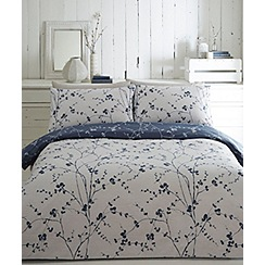 Home Collection - White printed 'Trailing leaves' bedding set