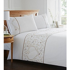 Home Collection - White embroidered 'Gwenyth' bedding set