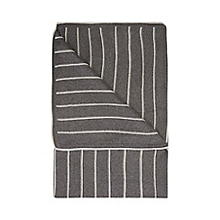 Home Collection - Grey striped throw