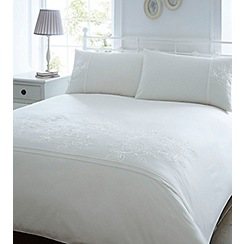 Home Collection - Cream embroided 'Elizabeth'  tape bedding set