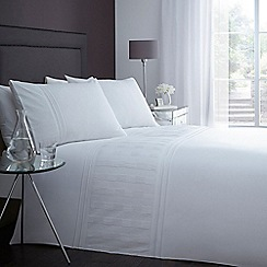 Home Collection - White square embroidered bedding set