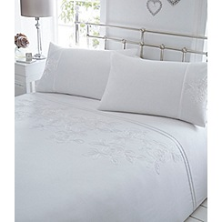 Home Collection - Cream embroidered 'Victoria' bedding set