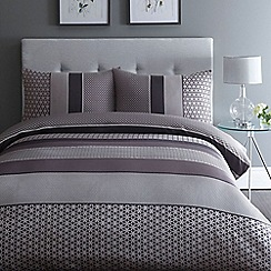Home Collection - Purple jacquard 'Adelle' bedding set