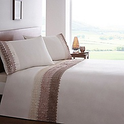 Home Collection - Natural raised wave bedding