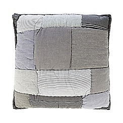 Home Collection - Grey patchwork cushion