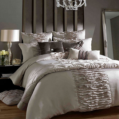Kylie Minogue at home - Brown +Giana-truffle+ 200 thread count duvet cover