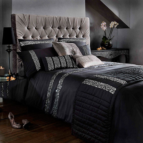 Kylie Minogue at home - Black +Safia+ bed linen
