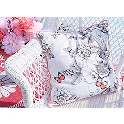 Accessorize - Print room floral cushion