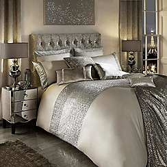 Kylie Minogue at home - Taupe 'Mezzano' bedding set