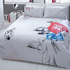 Ben de Lisi Home - Printed 'Messy Bed' bedding set