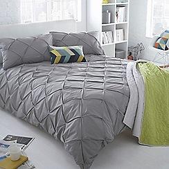 Ben de Lisi Home - Grey ruched 'Brooklyn' bedding set