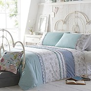 At home with Ashley Thomas - Light turquoise 'Lorna' bedding set