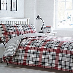 Home Collection Basics - Red 'Somerset Check' bedding set
