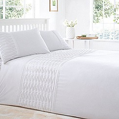 Home Collection Basics - White pleated 'Tibet' bedding set