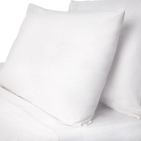 Debenhams - White polycotton plain dye sheets