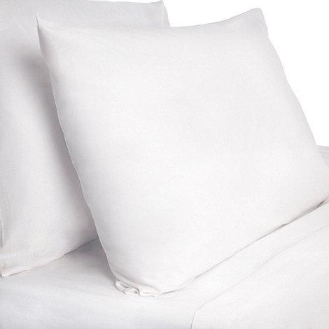 Dorma - White pure cotton bedding sheets