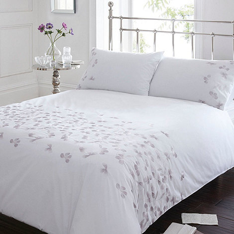 Debenhams - White +Quinn+ bedding set