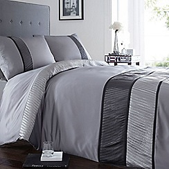 Home Collection - Grey striped 'Toronto' bedding set