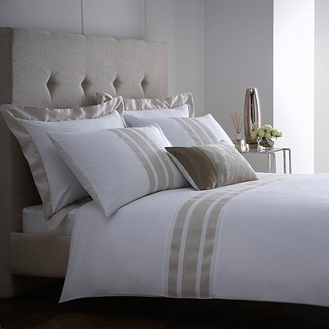 J by Jasper Conran - White +Beaumont+ bed linen