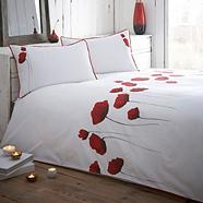 Red 'Poppies' bed linen