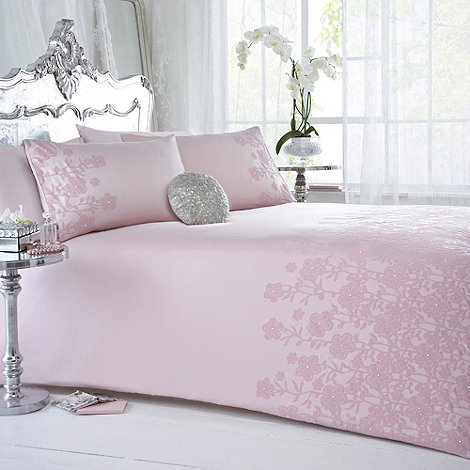 Star by Julien Macdonald - Designer pink +Amore+ bed linen
