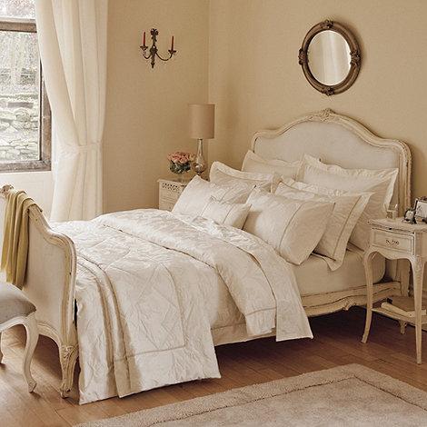 Dorma - Cream +Iris+ bed linen