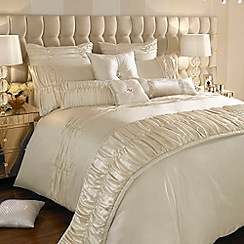 Kylie Minogue at home - Ivory 'Karissa' bed linen