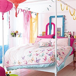Accessorize - White scattered butterflies bedding set