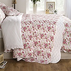 Ditton Hill - Sarah Bedspread & 2 pillow shams