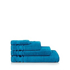 Home Collection Basics - Bright blue zero twist cotton towels