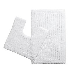 Christy - White pedestal and bathmat set
