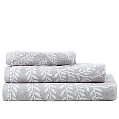 Home Collection - Natural fern print towels