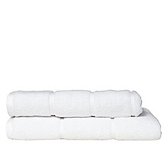 The Fine Linens Company - White coloured 'Greenwich' cotton towels