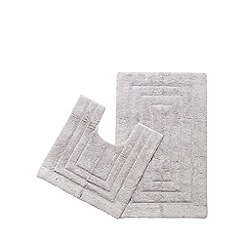 The Fine Linens Company - Light grey bathmat and pedestal mat set
