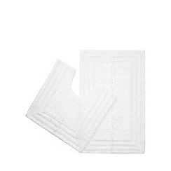 The Fine Linens Company - White bath mat and pedestal mat set