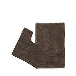 The Fine Linens Company - Grey bath mat and pedestal mat set
