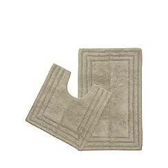 The Fine Linens Company - Taupe bath mat and pedestal mat set