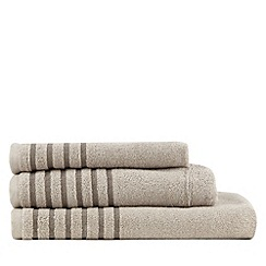 Christy - Natural pleated border towel